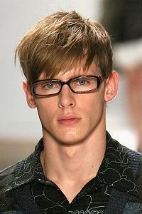 cabelo repicado com luzes masculino
