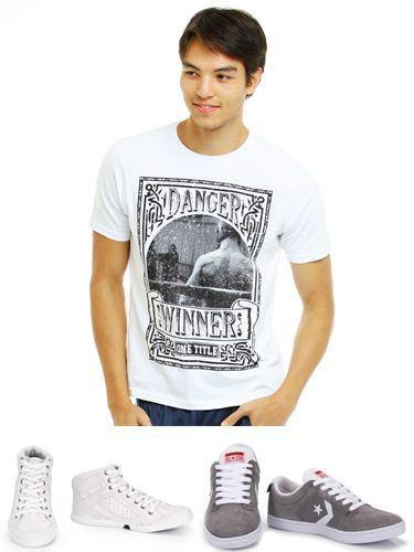 foto camisa e tênis