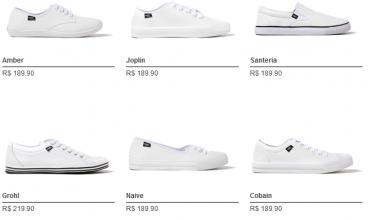 foto customizando sapatos