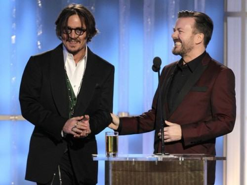 foto johnny depp no globo de ouro
