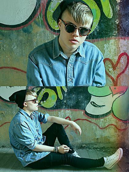 foto homem de camisa jeans