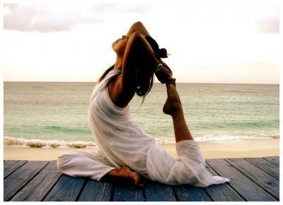 foto praticando yoga