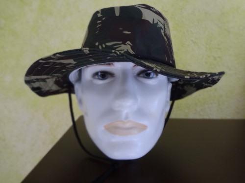 foto chapéu australiano camuflado