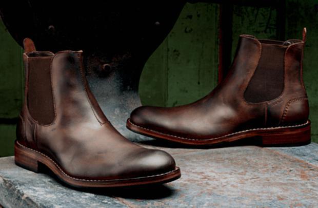 foto bota chelsea de couro marrom
