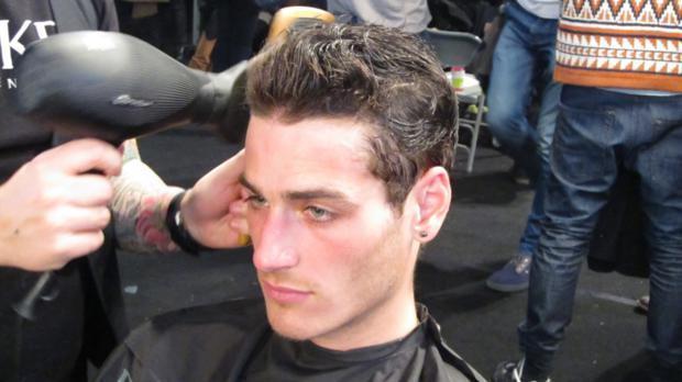 foto penteado usando pomada modeladora