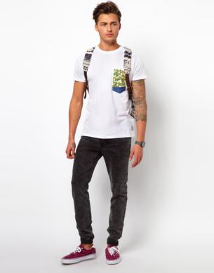 bolso estampado camuflado camiseta
