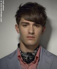 cabelo desfiado masculino com franja