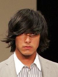cabelo no ombro homem