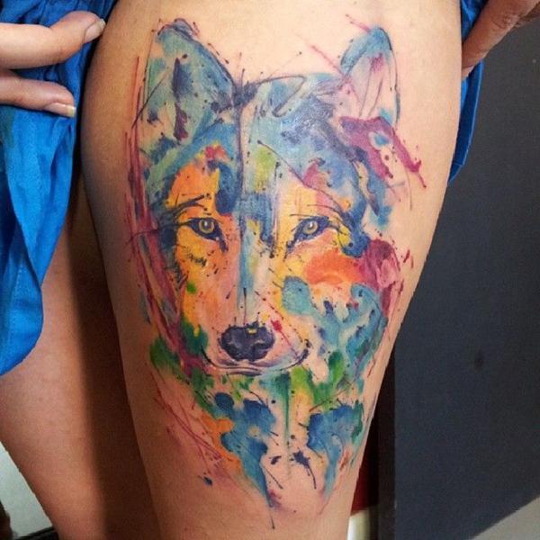 tatuagem aquarela lobo