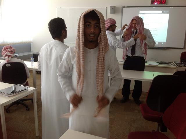 como dobrar lenço arabe
