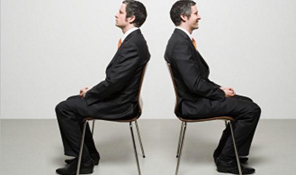 como sentar corretamente